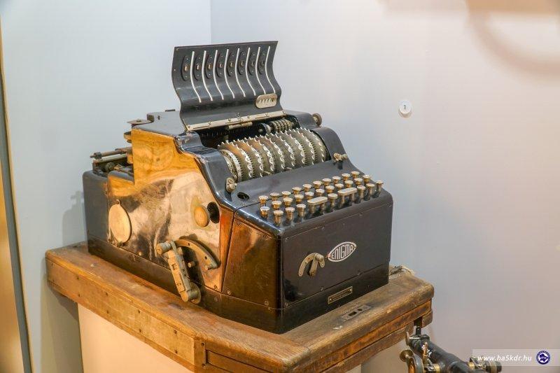 HM Hadtörténeti Intézet és Múzeum Fegyfertar kiallitas mutargy KL