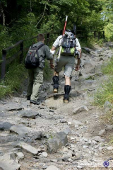 Zoli és 5dsa András erős hegymenetben